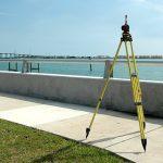 Czym posługuje się geodeta?