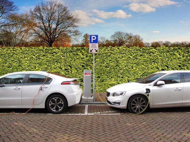 Dlaczego auta elektryczne zyskują popularność?