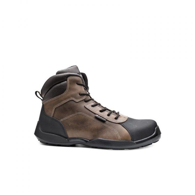 Jakie buty ochronią nasze stopy przy pracy?